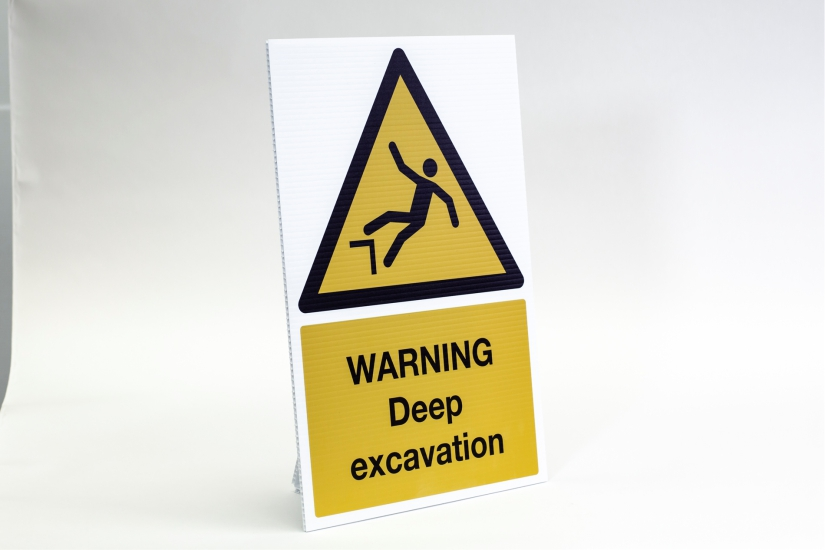 construction site safety signs - deep excavation
