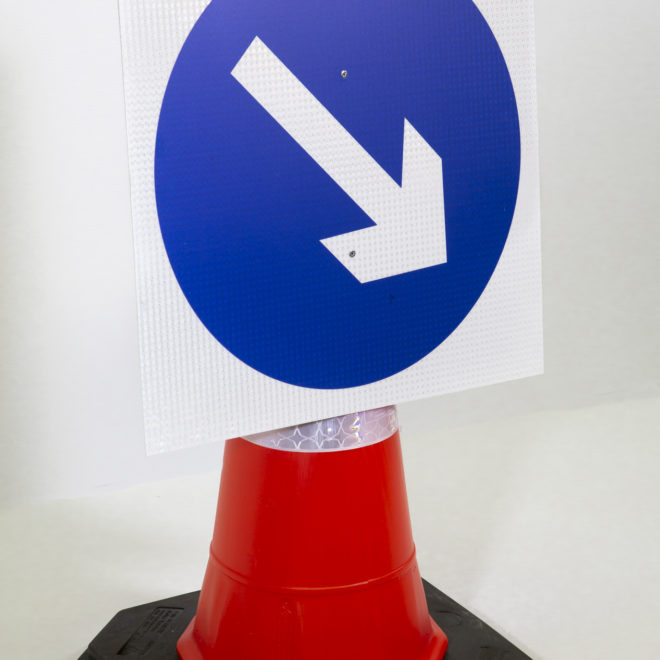 reflective cone-mounted signs - arrow